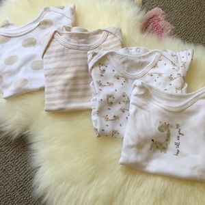 Other - 🎉Host pick❌4x Neutral baby bodysuits