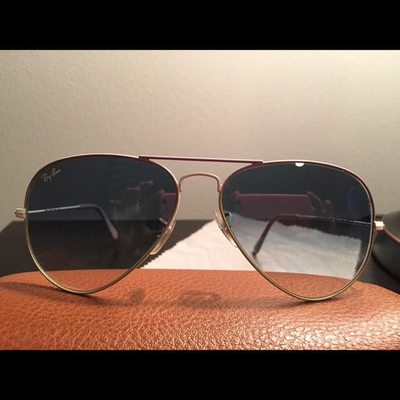 classic ray ban aviators l0o5  Ray-Ban Accessories