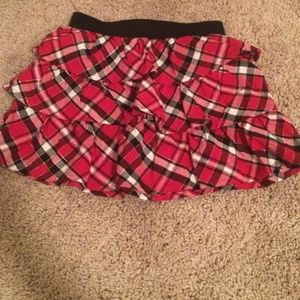 Cute girls red/black plaid skirt❤️