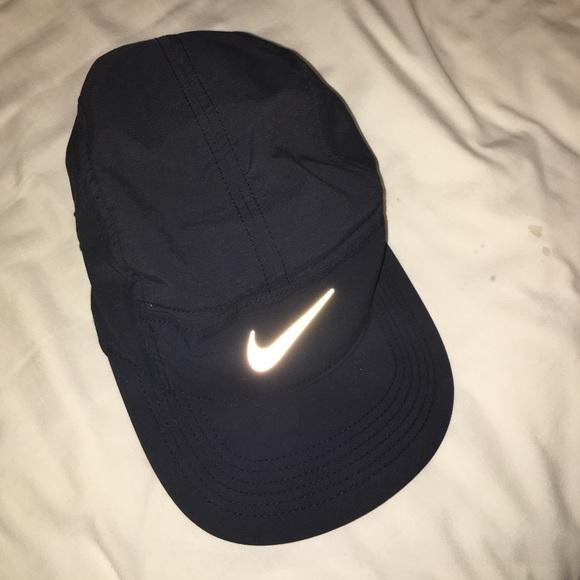 NIKE dri-fit black workout hat. M 579585826d64bc08d5079ba9 055392dc051