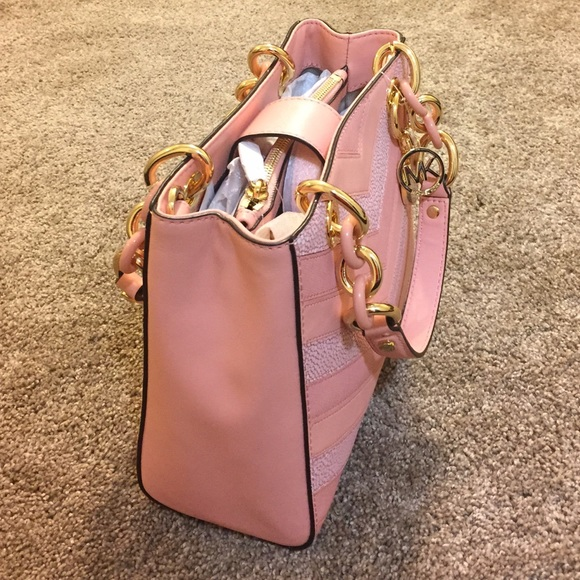 282fb6548d312d ... Michael Kors Bags - Michael Kors Cynthia Small Leather NS Satchel  Michael Kors Cynthia Medium ...