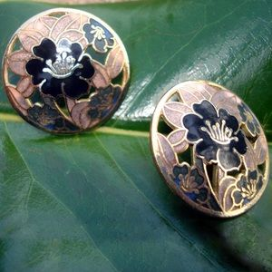 Jewelry - Vintage Black and gold round pierced earrings