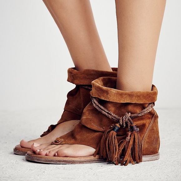 0ddd4ae5536 Free People Shoes - Free People Brown Marlo Boot Cuff Sandal 10 41