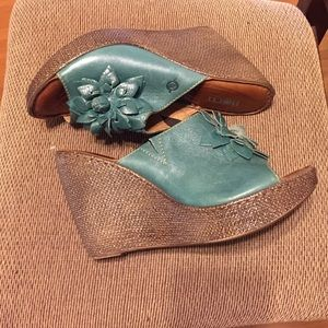 New adorable new women shoes.