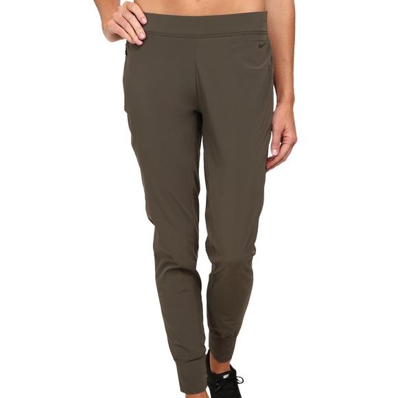 36e17e842e1a Nike Women s Woven Bliss Skinny Pants