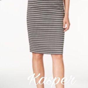 Kasper Dresses & Skirts - Kasper Houndstooth pencil skirt size 8