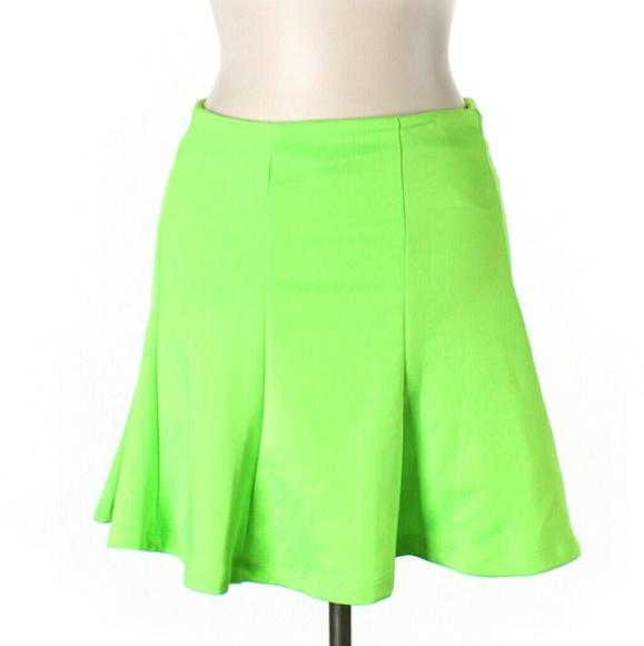 573358f339 NWT Hype Neon Green Skater Skirt