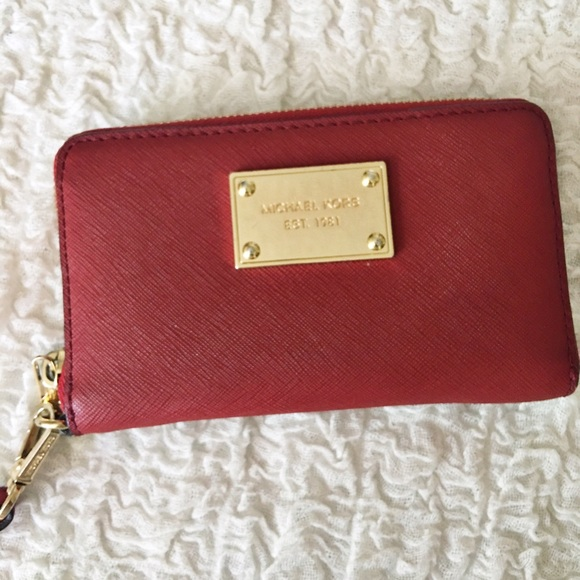 b621d64aa404ea Michael Kors Essential Zip Wallet for iPhone - Red.  M_579670eb2ba50a94d908f2e5