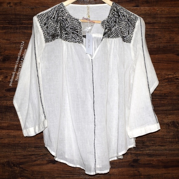 LOVE SAM Bohemian Blouse Intricate Swingy Pullover 5dc3deb5d