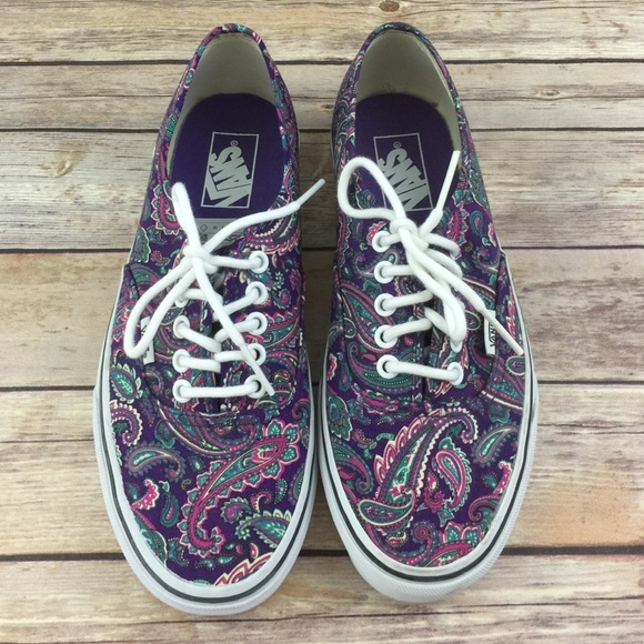 33108ee1c31a51 Vans Purple Paisley Classic Shoes NEW RARE. M 57968f3e2599fe92a4001668