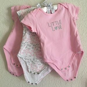 Petit Lem Other - 🎉Host Picks🎉Bundle of 3x super cute bodysuits🎀