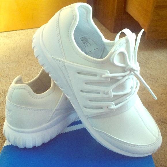 Adidas zapatos blancos originales poshmark radiales tubulares