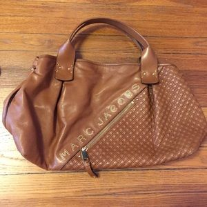 Marc Jacobs Handbags - Marc Jacobs Leather Tote