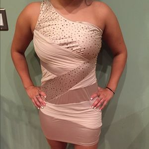One shoulder nude dress