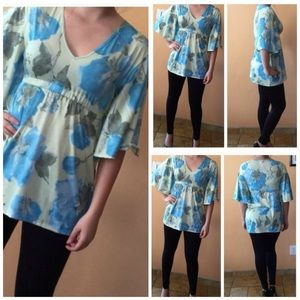 Classic Woman Tops - Gorgeous Floral Tunic - Multiple Sizes NWT
