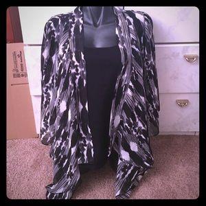 Allison Taylor  Tops - Black and white kimono