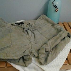 Sanctuary Pants - Linen shorts by Sanctuary size 31