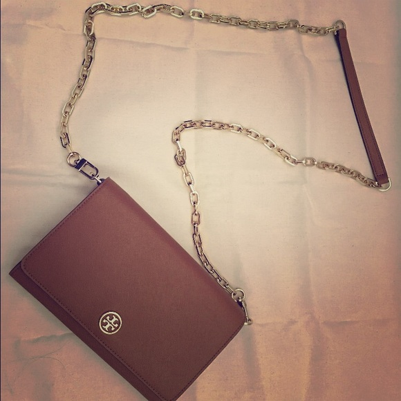 461dcc6fc1e6 NWT TORY BURCH ROBINSON CHAIN WALLET in TIGERS EYE