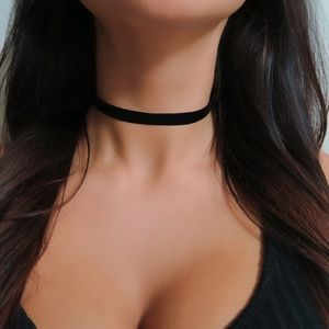 Jewelry - Velvet Black Choker