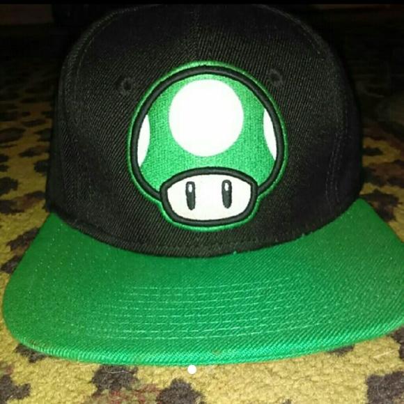 42acc960f24 Unisex Super Mario 1-UP Mushroom Snapback. M 5796f3626a58304585011d5e