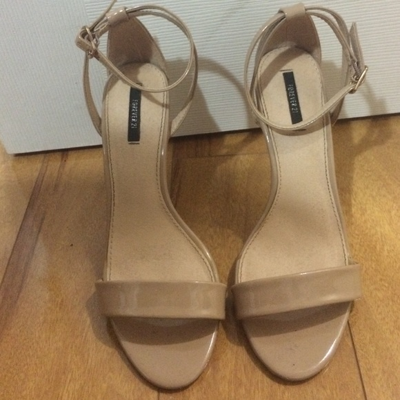 d9f7e5207c6 Forever 21 Shoes - Forever 21 Nude Strappy Heels
