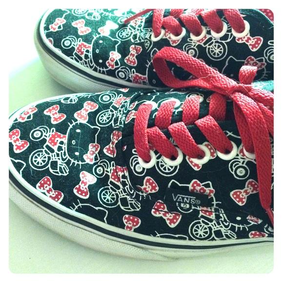 739ab00dc Hello Kitty Shoes - // Hello Kitty Vans