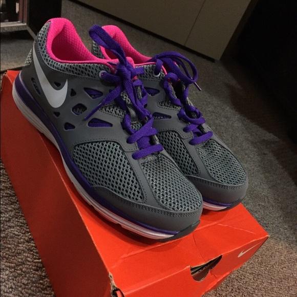 Girls Nike Gym Shoes | Poshmark
