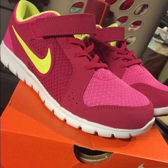 Girls Nike Gym Shoes   Poshmark