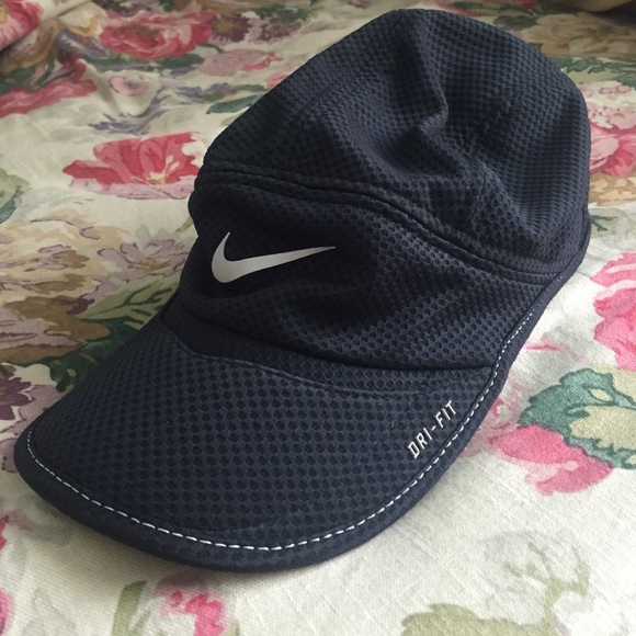 Women s Nike Daybreak Dri Fit Hat. M 57979602291a35fc670064e5 e1725a579b