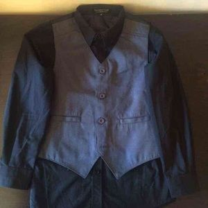Van Heusen Other - Boys shirt with Vest