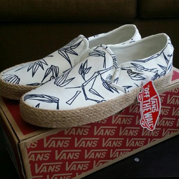 f05421d6e5 Vans Shoes
