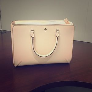 Tory burch large Robinson tote NEW