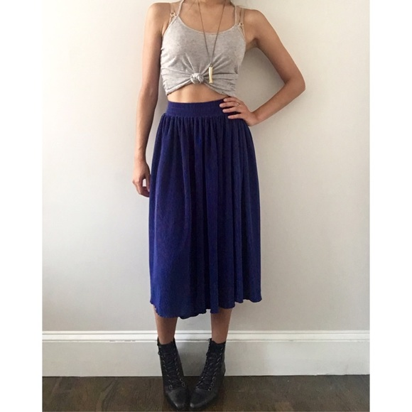 bdf8b84ba American Apparel Dresses & Skirts - american apparel accordion pleat skirt