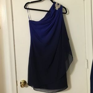JS Boutique Dresses & Skirts - Brand new blue and navy dress, amazing design!