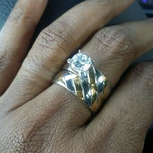 Jewelry - BEAUTIFUL TWO TONE TWO PIECE RING!