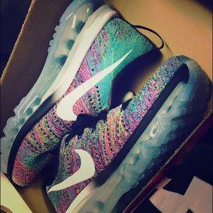 Nike fly knit air max 💗💗💗