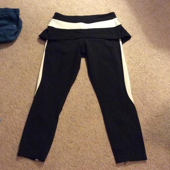 lululemon athletica pants lululemon leggings with built in skirt 6 blk cr poshmark. Black Bedroom Furniture Sets. Home Design Ideas