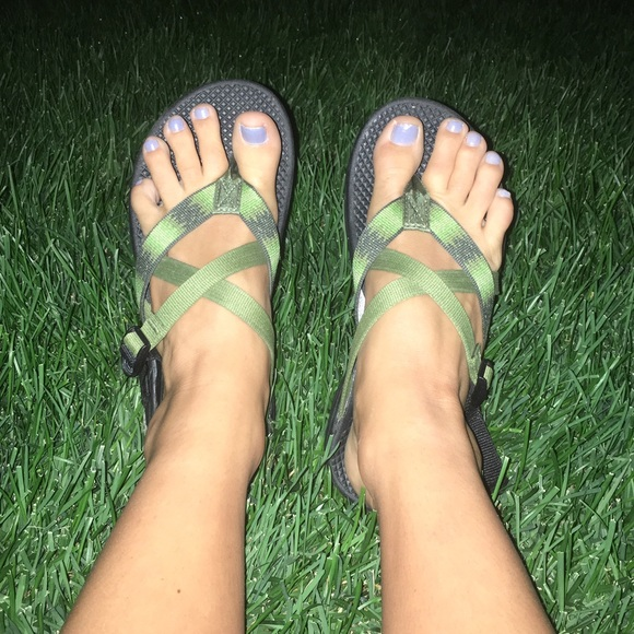 1133ec3d8e2458 Chaco Shoes - Needs a new home! Chaco hipthong ecotread sandals