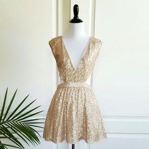 Mustard Seed Dresses & Skirts - 💙HP!💙 Mustard Seed Blush Sequin Cutout Dress
