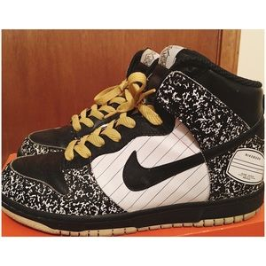 Nike Other - Notebook Nike Dunks
