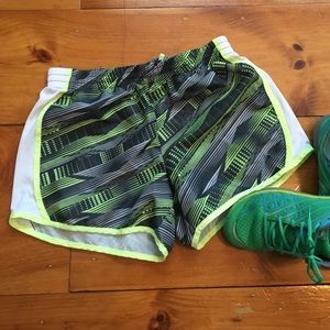 Danskin Shorts - Athletic shorts