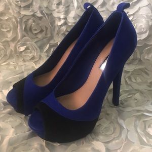 H by Halston Shoes - Beautiful royal blue platform pumps