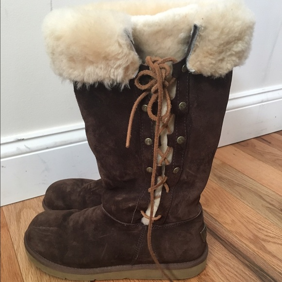 a4e301d816e 🎉Price Drop 🎉UGG Brown Suede lace up side boot