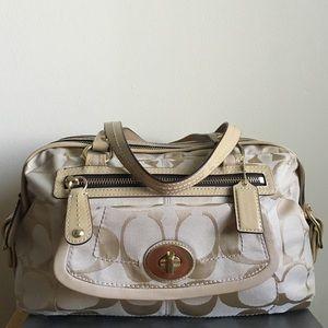 Beautiful coach bag!