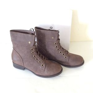 2LipsToo Too Jess Brown Booties 8 1/2