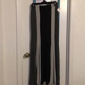Monteau Dresses & Skirts - Monteau Skirt