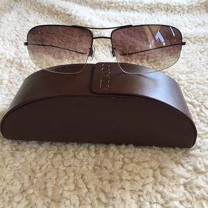 Oliver Peoples Accessories - Oliver Peoples aviator style sunglasses
