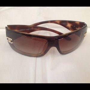 CHANEL Accessories - 1 DAY SALE 🎉CHANEL Sunglasses
