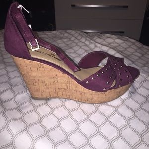 Shoes - Wine colored wedge