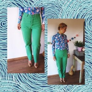 High-Waisted Vintage Jeans